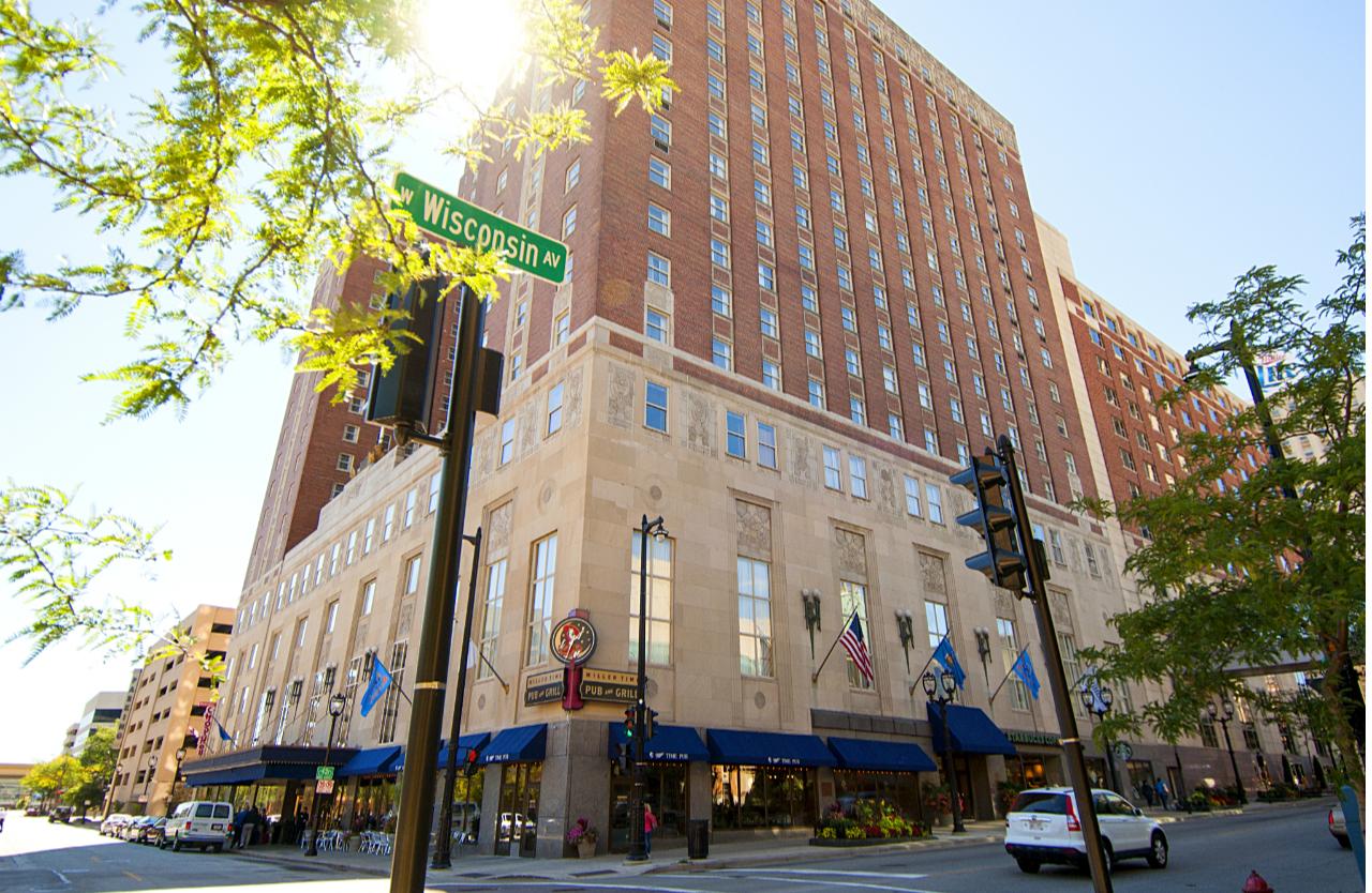 Exterior shot of Hilton Milwaukee
